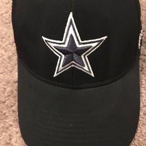 51b328433 Reebok Accessories - Reebok Dallas Cowboys Baseball Hat