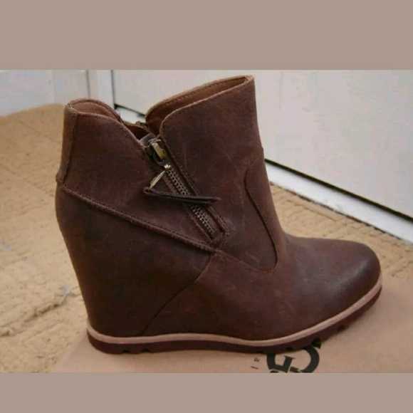 ugg myrna wedges