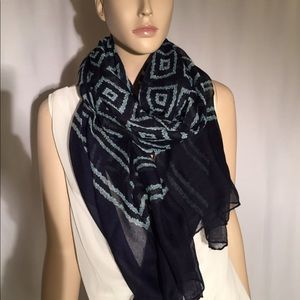 Accessories - Large navy cotton scarf w green geometric pattern