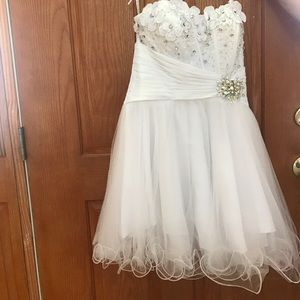 Dresses & Skirts - Size 8 white formal dress! Perfect condition!