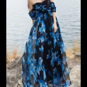 Dresses & Skirts - Off the shoulder floral maxi dress