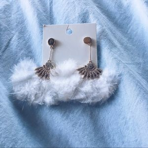 HM feather earrings