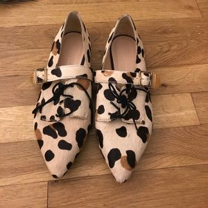 Pointy adorable leopard flats