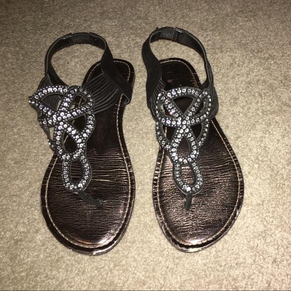 1dcd57cc7711 Flat black sandals. M 59dad757a88e7d837f01b325