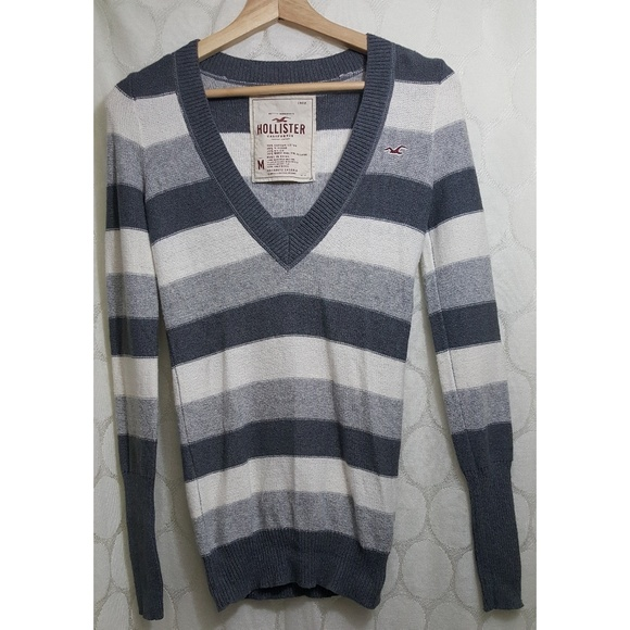 Hollister Sweaters - Hollister V Neck Sweater