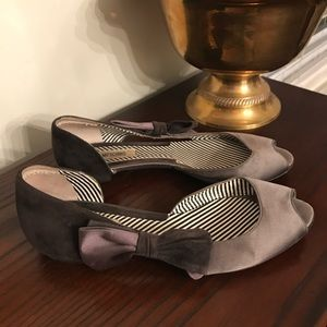 Moschino Gray Satin Suede Perp Toe Flats Size 37