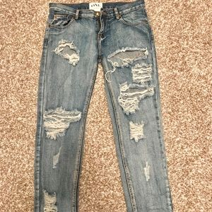 One Teaspoon Distressed Boyfriend Jean sz 27
