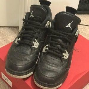 "Air Jordan 4 Retro ""Oreo"". Size 7Y, Women 9."