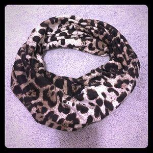 Accessories - Cheetah Print Scarf!