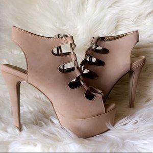 Lacey platform heels 😍