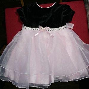 🆕 Girl's Black & Pink Dress (24M)