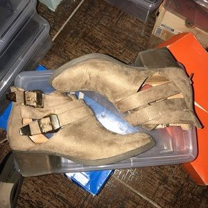 🚫SOLD🚫 Wild Diva Ankle Boots Size 5