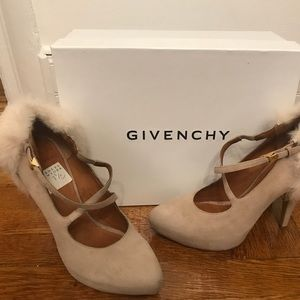 NIB Givenchy Suede Mink Cross Cross Pump as 37.5