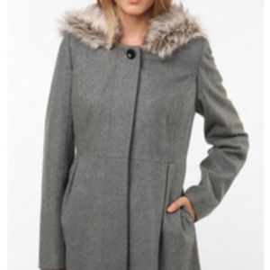 Faux Fur-Trimmed hooded wool lady coat