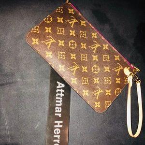 Louis Vuitton pochette in pivoine
