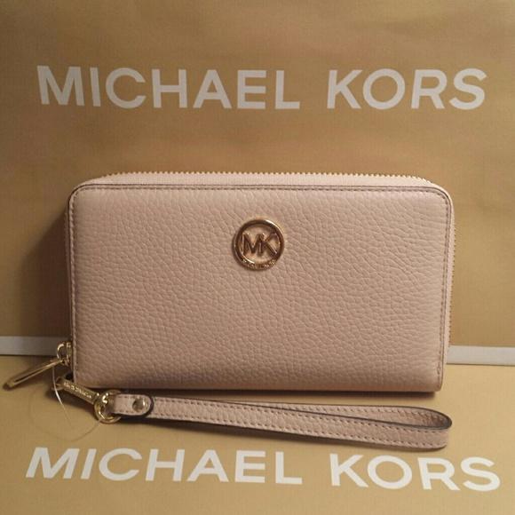 823b3e10b9b891 Michael Kors Bags | Fulton Wristlet Wallet Leather Ballet | Poshmark