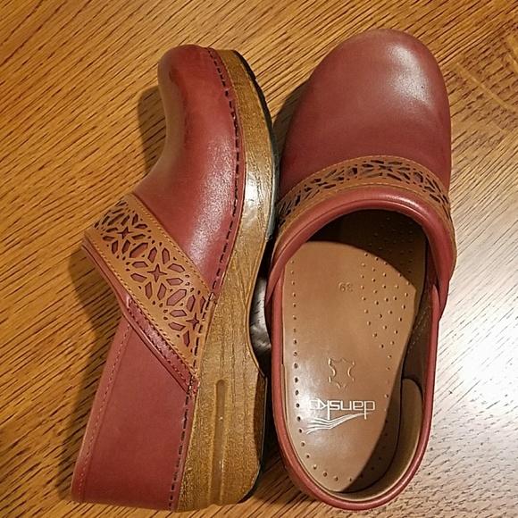 1ac7aceea2 Dansko Shoes | Pavan Leather Clog Size 39 | Poshmark