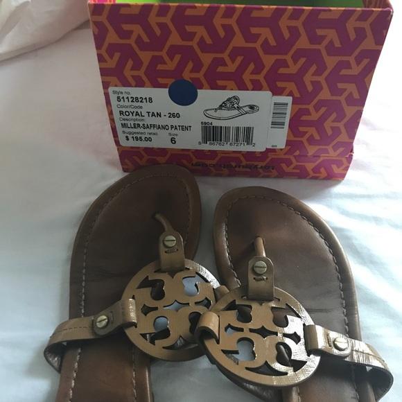 b933be963e66 Tory burch Miller saffiano patent sandals. M 59db77c0eaf030b10b038228