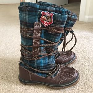 Pajar Andree Lace Wrap Boot blue/Green/brown Plaid