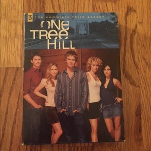Other - One tree hill the complete third season!
