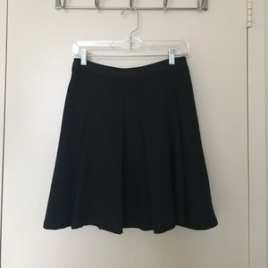 // The Limited Skirt