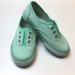 Girls Slip On sneakers Sz 10
