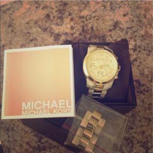 MICHAEL Michael Kors Horn Gold Watch 🌟 beauty 🌟