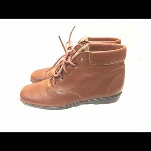Ros Hammerson boots
