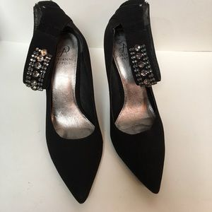 Adrianna Papell Black Heels good Condition Size 9