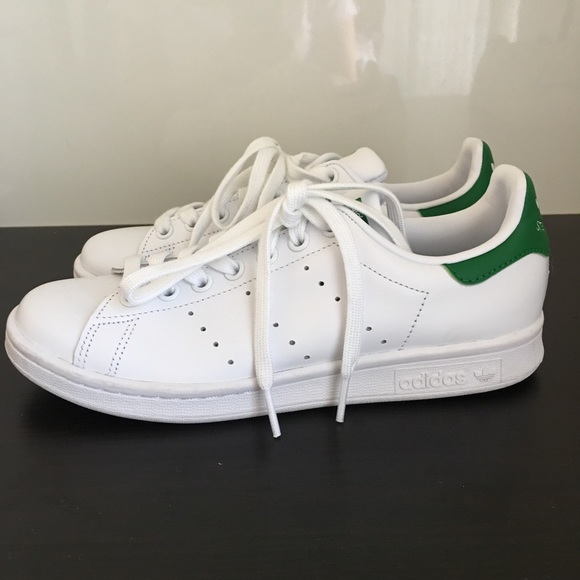 donne adidas stan smith scarpe 65 poshmark poshmark poshmark 065cae