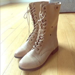 Forever 21 beige combat boots size 10