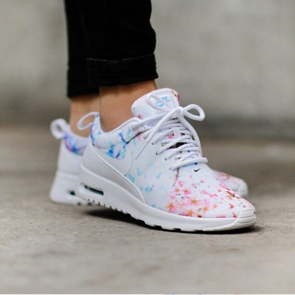 Nike Air Max Thea 'Cherry Blossom' (via Kicks