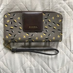 Fossil Smartphone Wallet Wristlet - fits iPhone 7