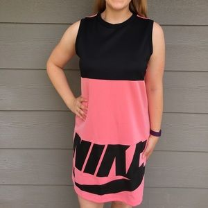 Nike NSW Irreverant Dress in Pink and Black - M
