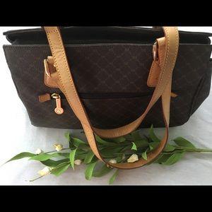 Rioni Bags   Moda Italia Signature Purse Brown   Poshmark 41c1a08e9a