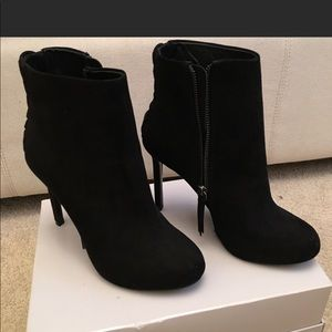 Zara NWT black ankle boots! Never been worn!