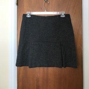 Herringbone skirt with front pleats