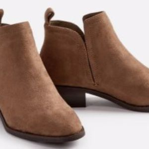 Just Fab Taupe Ankle booties