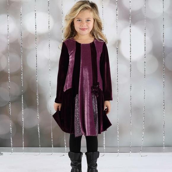 8f6940fa640f Isobella   Chloe Velvet Swing Dress
