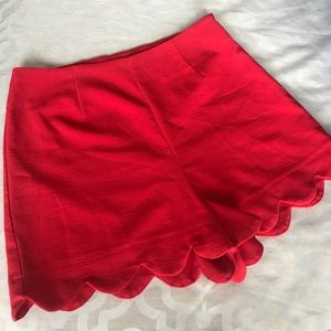 Monteau Scalloped Shorts- Size LARGE