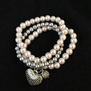 Jewelry - Pearls staking bracelet with pendants