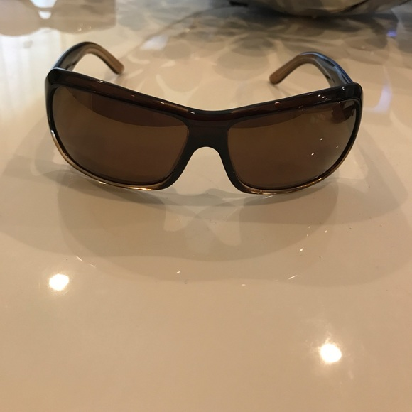 99ead26706a Maui Jim Women s Palms MJ111 Sunglasses. M 59dbcf2c2ba50a79fc004f31