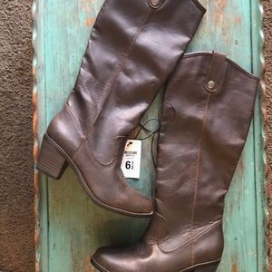 Mossimo Supply Co. Brown Small heel Boots
