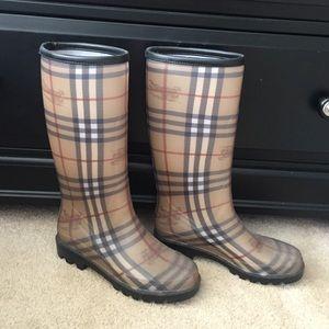 Burberry Rain Boots - Authentic