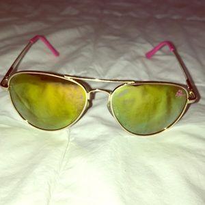 Betsy Johnson Mirrored sunglasses