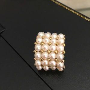 Jewelry - Beautiful pearl and gold stretch ring