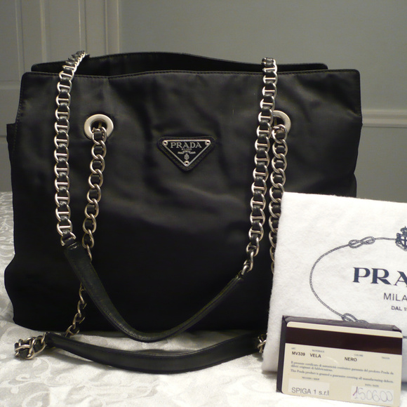 37de35ed24df Vintage Authentic PRADA Nylon Shoulder Bag. M 59dbdfdbd14d7b48eb00a201