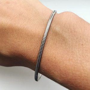 Vintage silver 'zippered' stacking bangle bracelet