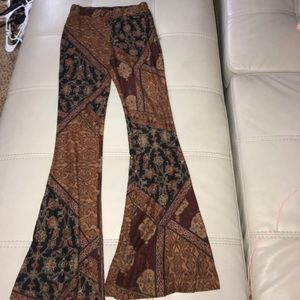 Patterned flare pant! Size small
