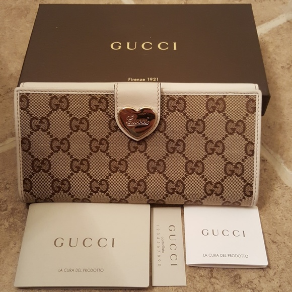 30bb9d675157 Gucci Bags | Gg Canvas Heart Checkbook Wallet | Poshmark